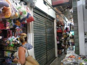 Aluguel subiu depois dos chineses e quebradeira faz comerciantes fecharem portas